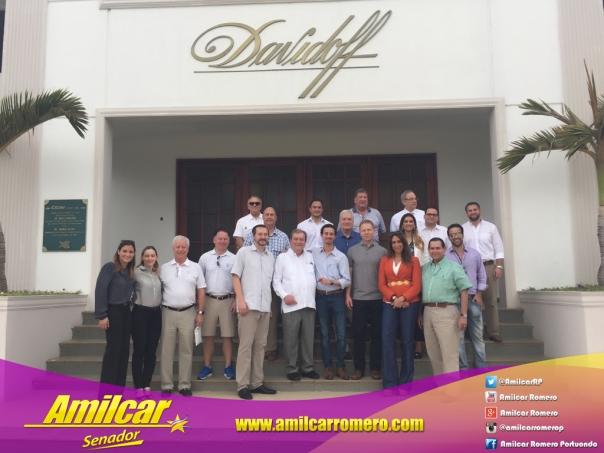 """El Ing  @AmilcarRP invitado especial de """"Davidoff"""" y ejecutivos de"""
